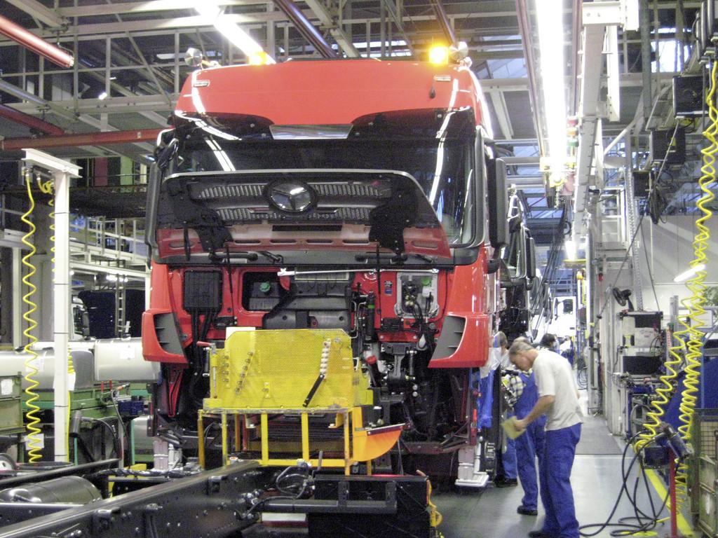 Mercedes-Benz-Werk Wörth plant bis zu 1000 Neueinstellungen