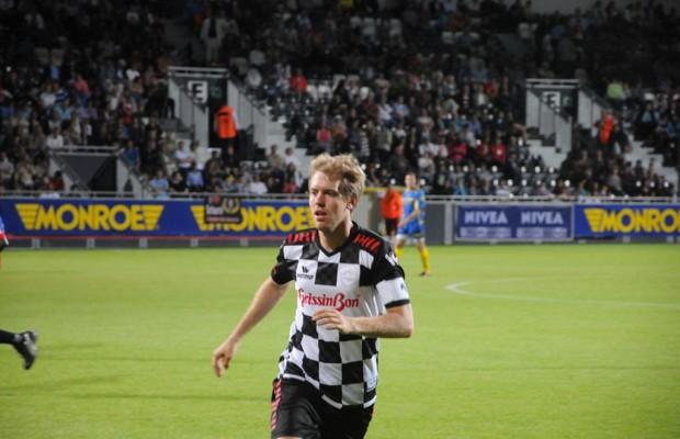 Monroe unterstützt Fußballspiel von Formel-1-Piloten
