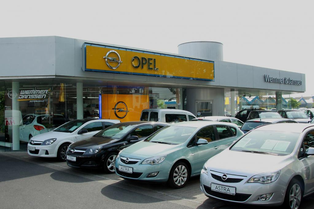 Opel plant neues Autohaus-Design