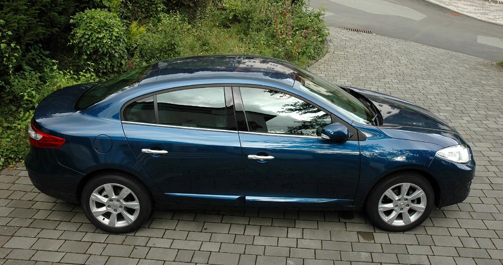 Renault Fluence: Und so sieht die Limousine von oben und von der Seite aus.