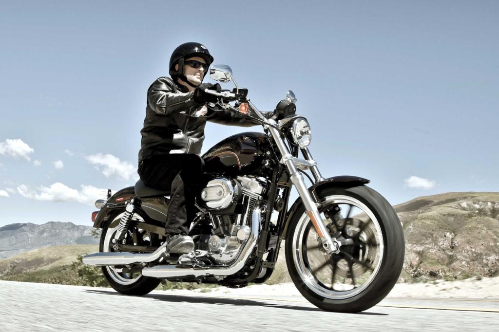 Sein zweitgünstiges Modell bietet Harley-Davidson mit der XL883L SuperLow an.