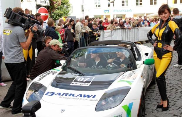 Tesla Roadster gewinnt Elektro-Rallye über die Alpen