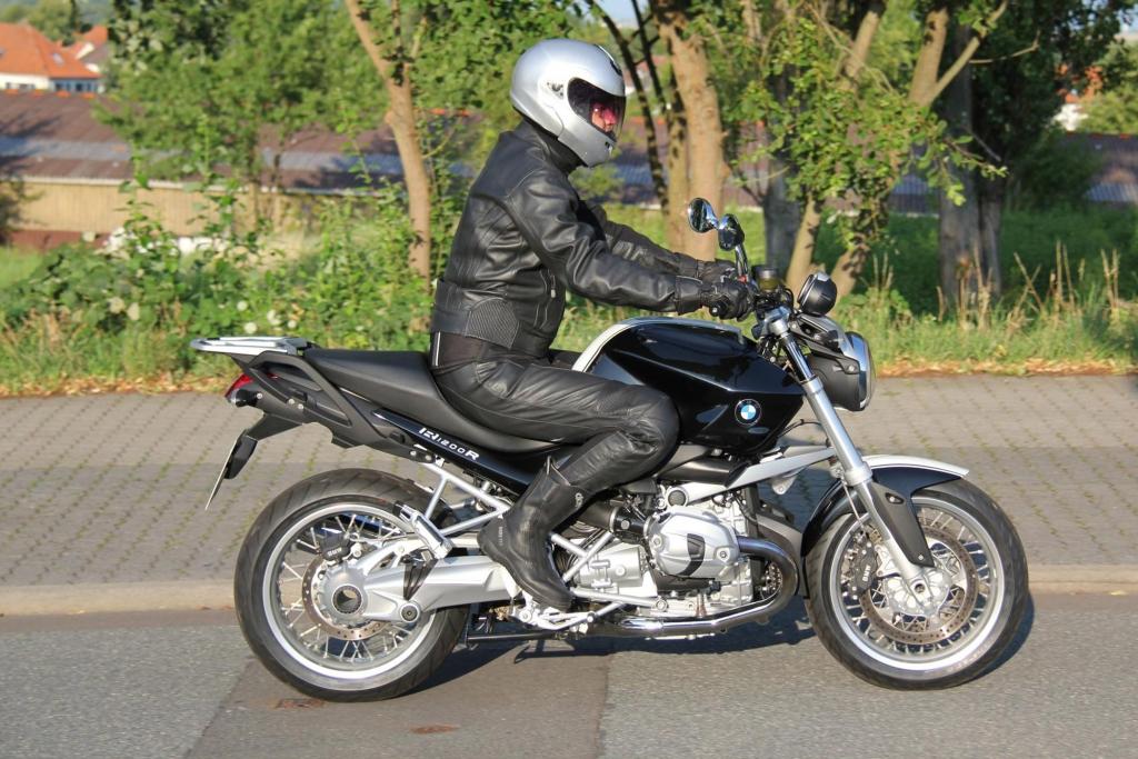 """Test: BMW R 1200 R Classic - Der Nachfahre der """"Gummikuh"""""""