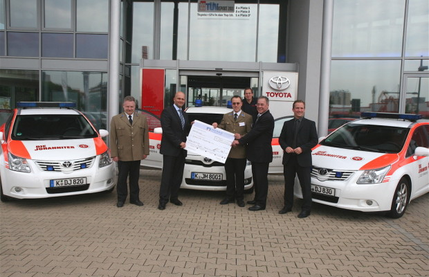 Toyota spendet 10 000 Euro an Johanniter-Unfallhilfe
