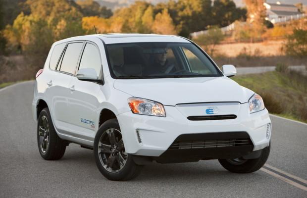 Toyota und Tesla bauen RAV4 mit Elektroantrieb