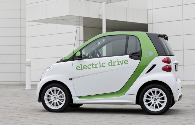 Umfrage - E-Auto-Durchbruch in zehn Jahren