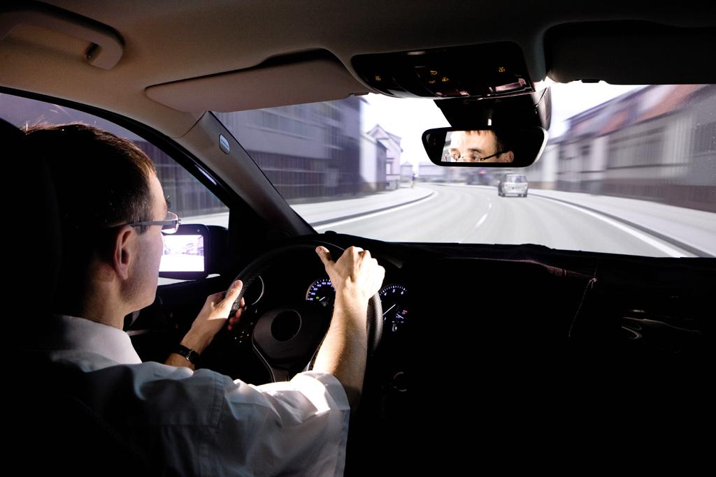 Und so erlebt man als Testfahrer die Szenerie im Auto.