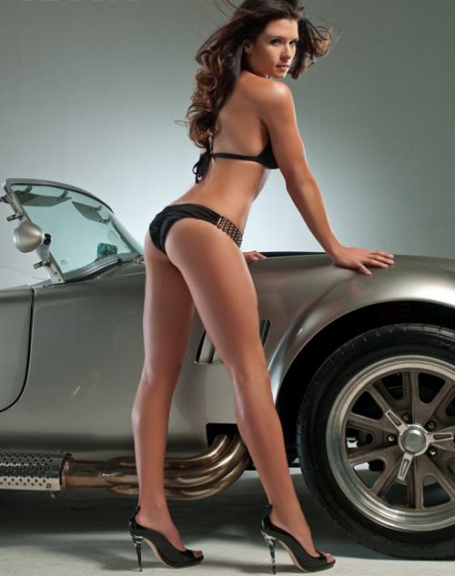 Unterwäsche-Model als Nascar-Fahrerin