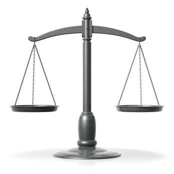 Urteil: Unbeleuchtetes Kennzeichen bei Dunkelheit strafbar