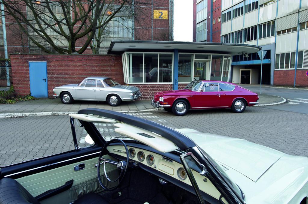 VW-Karmann-Ghia-Typ 34-Treffen im Volkswagen-Werk Osnabrück: TL (rechts), Coupé und Cabrio.