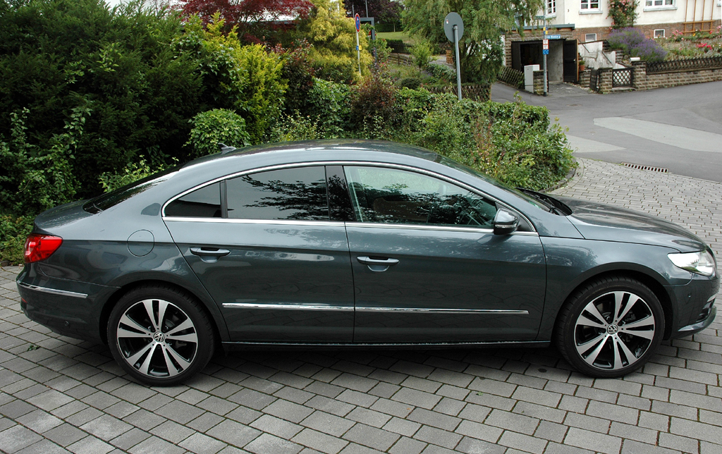 VW Passat CC: Und so sieht der viertürige Viersitzer von der Seite aus.