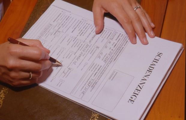Wechsel der Kfz-Versicherung - Träge Wessis, sparsame Ossis