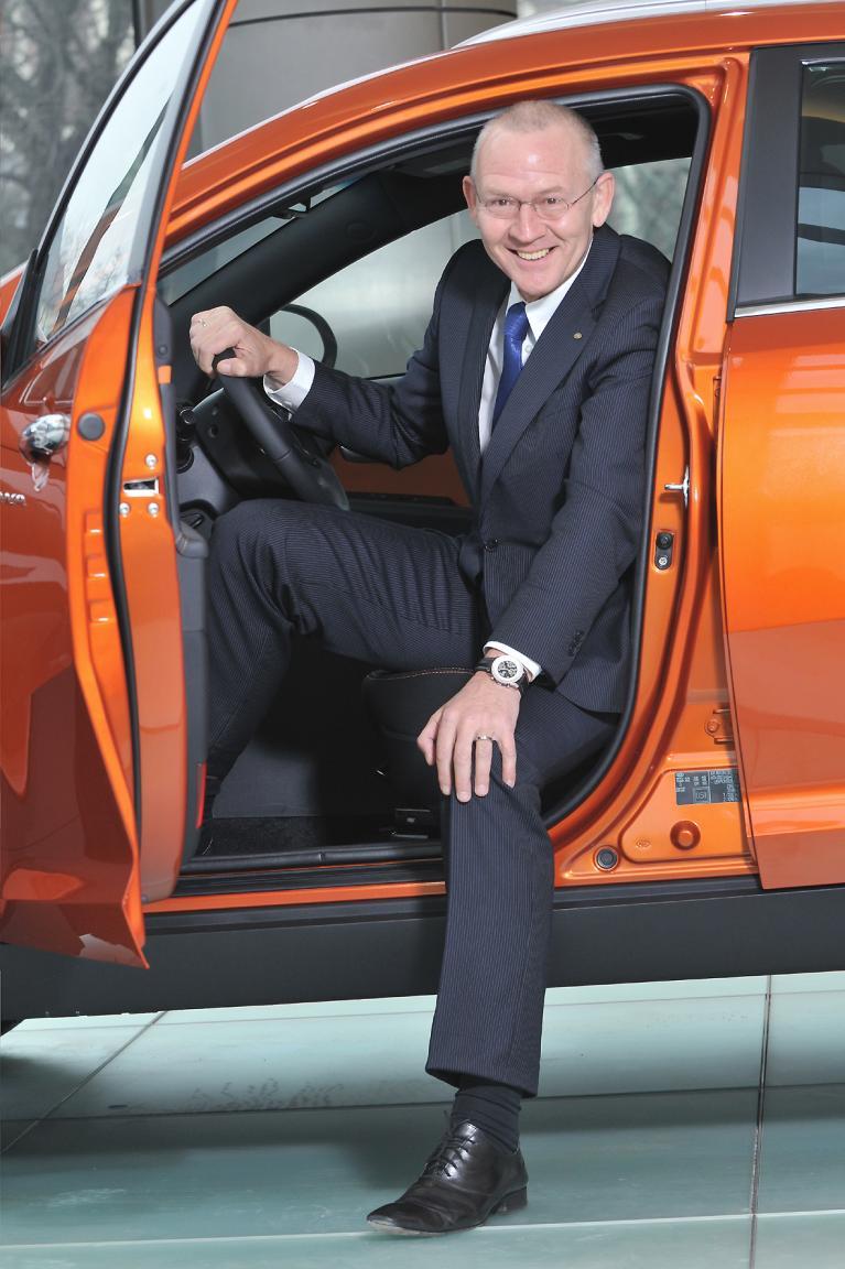 Weltweit die Nummer vier im Autogeschäft und auch hierzulande im Aufwind: Kein Wunder, dass Kia-Deutschland-Geschäftsführer Martin van Vugt gut lachen hat.