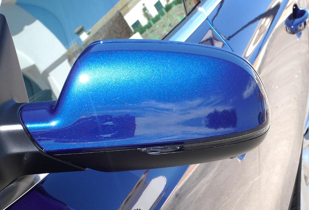 Audi A5: Blick auf den Außenspiegel auf der Fahrerseite.