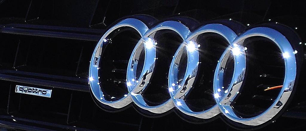 Audi A5: Die vier Markenringe sitzen vorn im oberen Teil des Kühlergrills.
