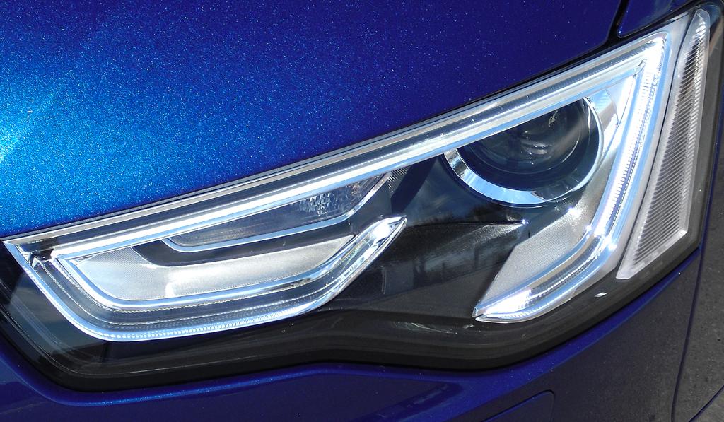 Audi A5: Moderne Leuchteinheit vorn.