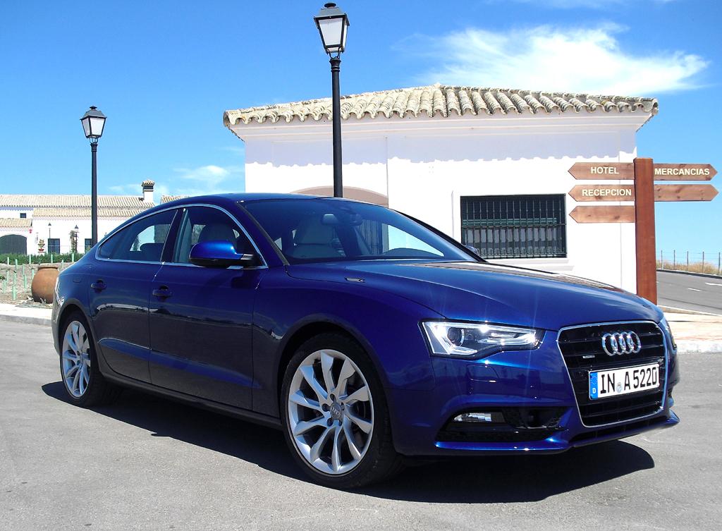 Audis aktualisierter A5, hier als Sportback, setzt dynamischere Akzente. Foto: Koch