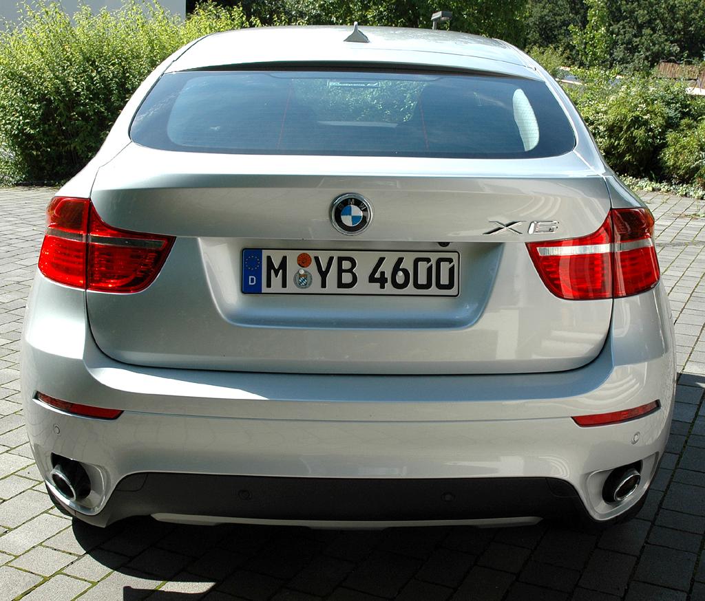 BMW X6 xDrive 30d: Blick auf die Heckpartie.
