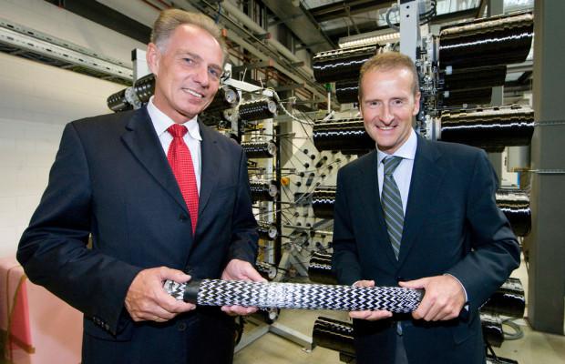 BMW übergibt Karbon-Anlage an TU München