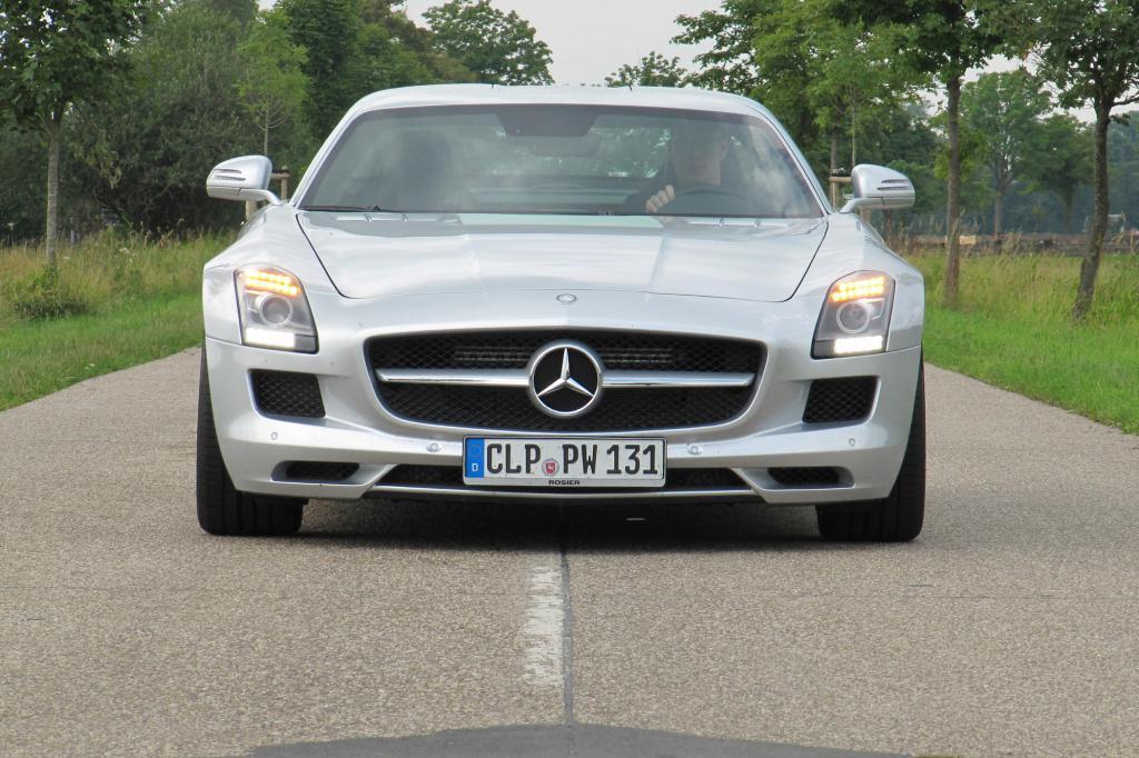 Beim Kauf eines neuen SLS wechseln mindestens 186.830 Euro den Besitzer