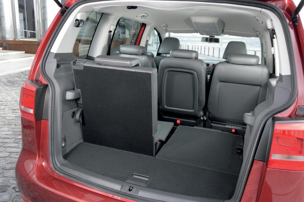 Beim VW Touran werden für die Plätze sechs und sieben 725 Euro fällig.