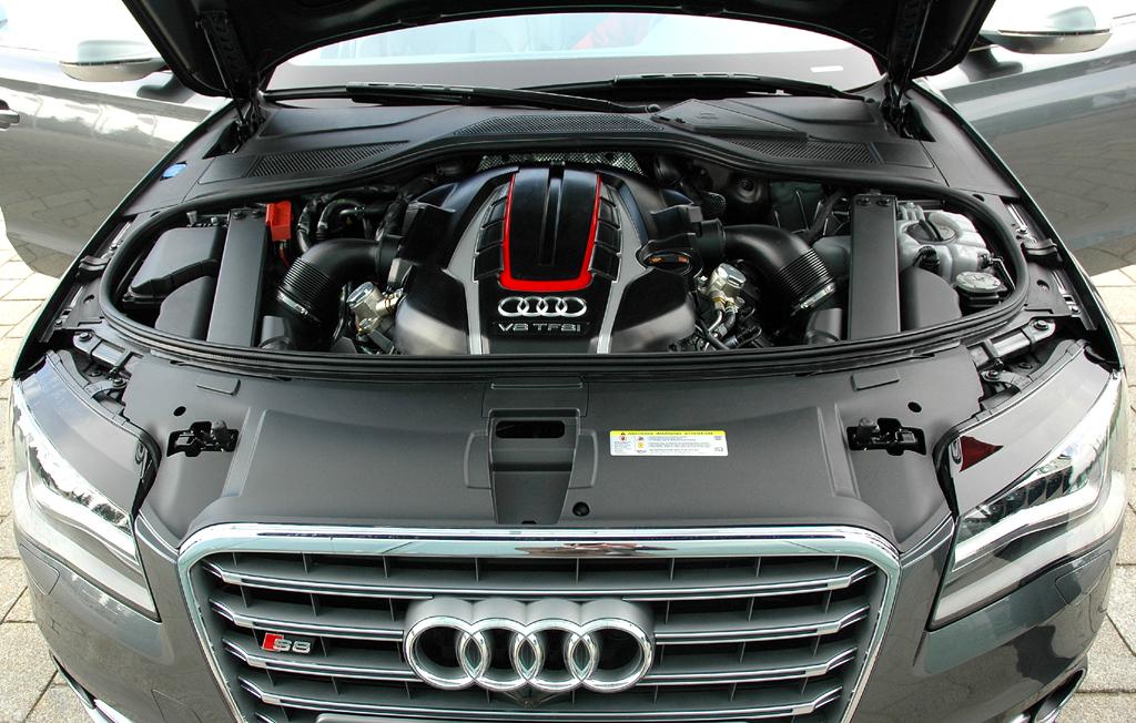 Blick auf den neuen 4,0-Liter-Achtzylinder-Biturbo, hier mit 520 PS im S8.
