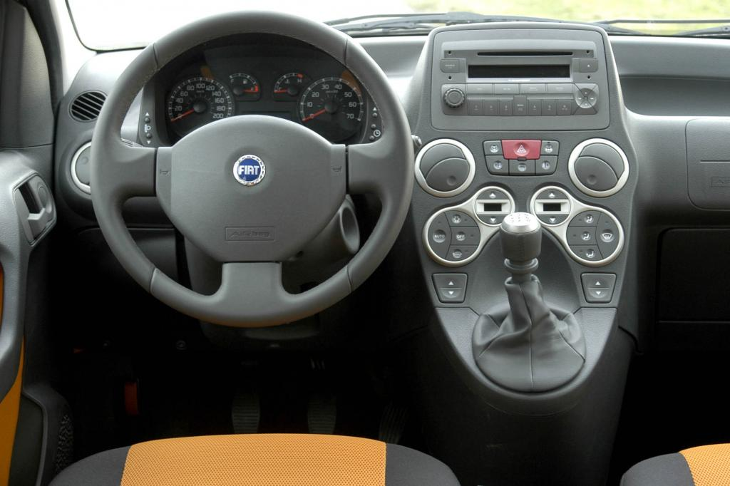 Das Cockpit ist van-artig angeordnet