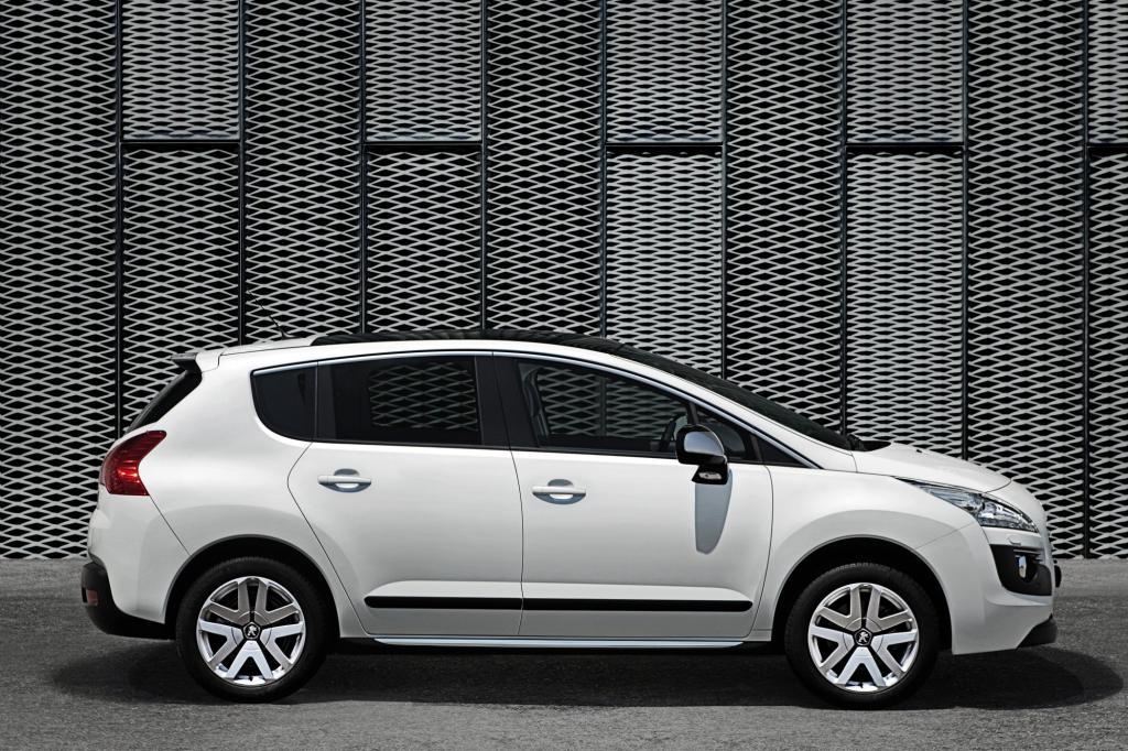 Der Peugeot 3008 Hybrid wird aber im Gegensatz zu den anderen Öko-Fahrzeugen von einem Dieselmotor statt einem Benziner angetrie
