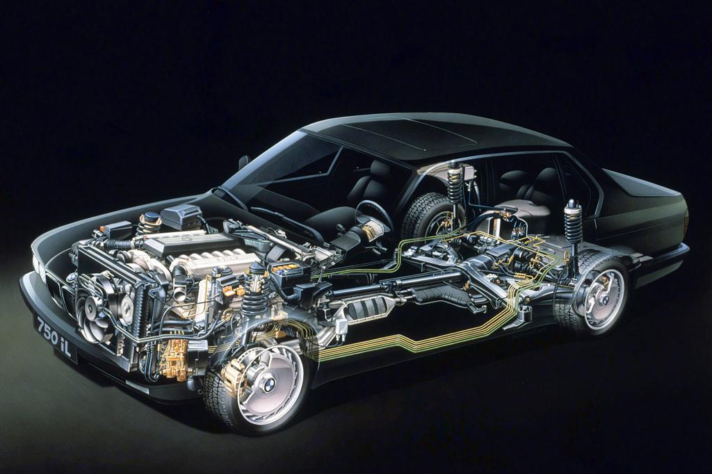 Der V12 füllte den Motorraum fast komplett aus