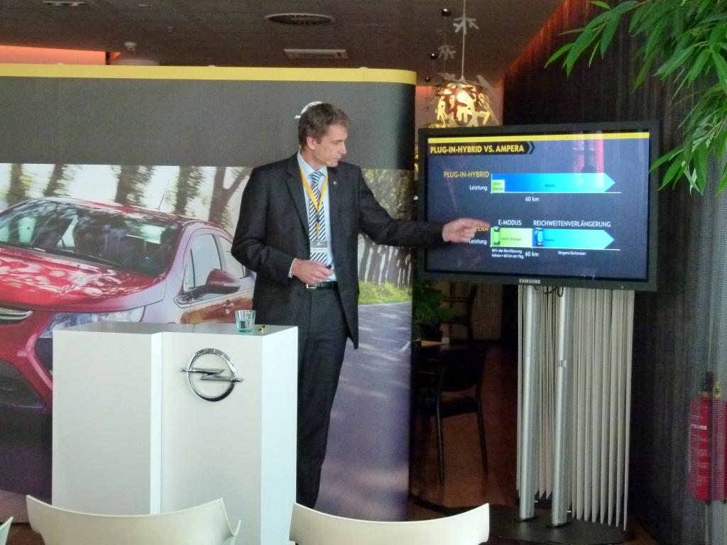 Dr.-Ing. Christian Kunstmann, stellvertretender Chefingenieur für Elektro-Fahrzeuge Opel