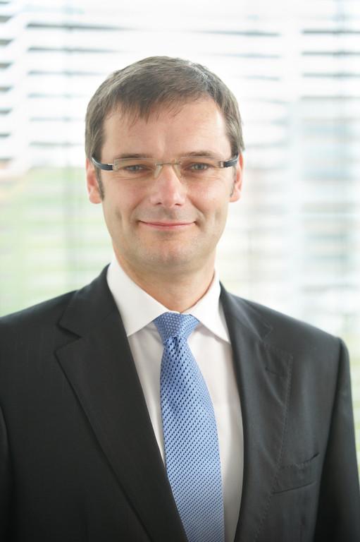 Dr. René Umlauft.