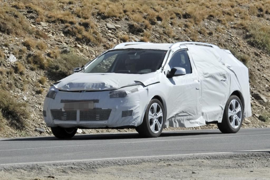 Erwischt: Erlkönig Renault Megane