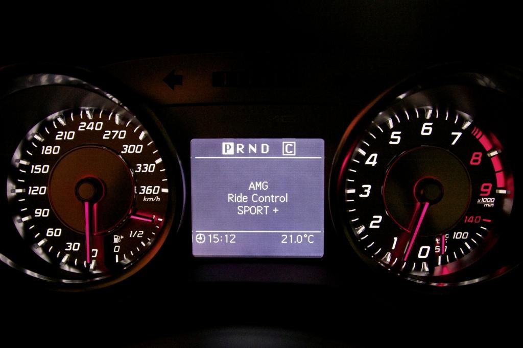 Für den Mercedes-Benz SLS AMG ist auf Wunsch das Ride-Control-Sportfahrwerk erhältlich.