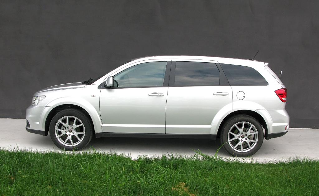 Fiat Freemont: So sieht der Siebensitzer von der Seite aus.