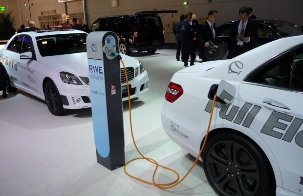Gleichstrom-Tankstellen: E-Auto in 15 Minuten