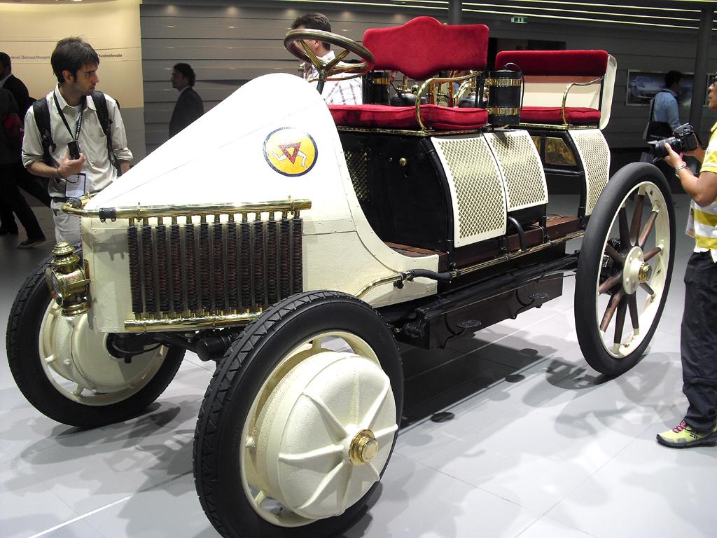 IAA 2011: Aus Zeiten, in denen das Automobil das Fahren lernte.