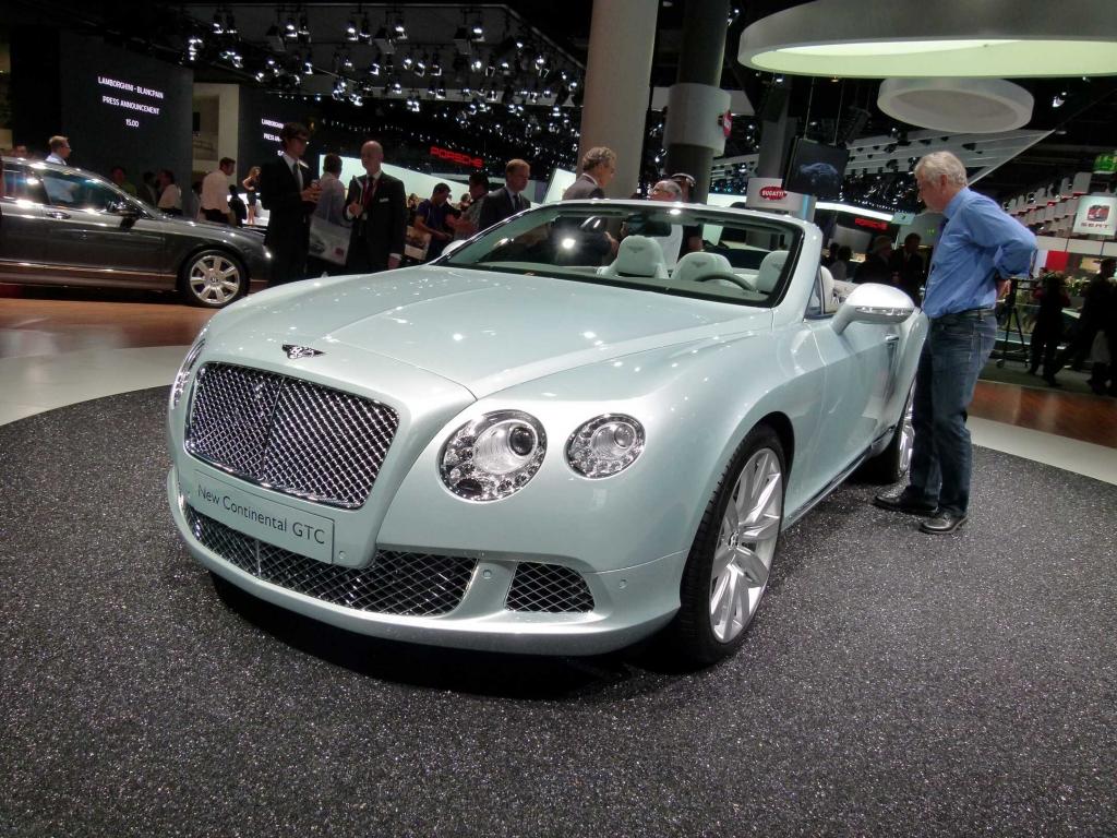 IAA 2011 – Oberklasse: Audi A8, Bentley Continental GTC
