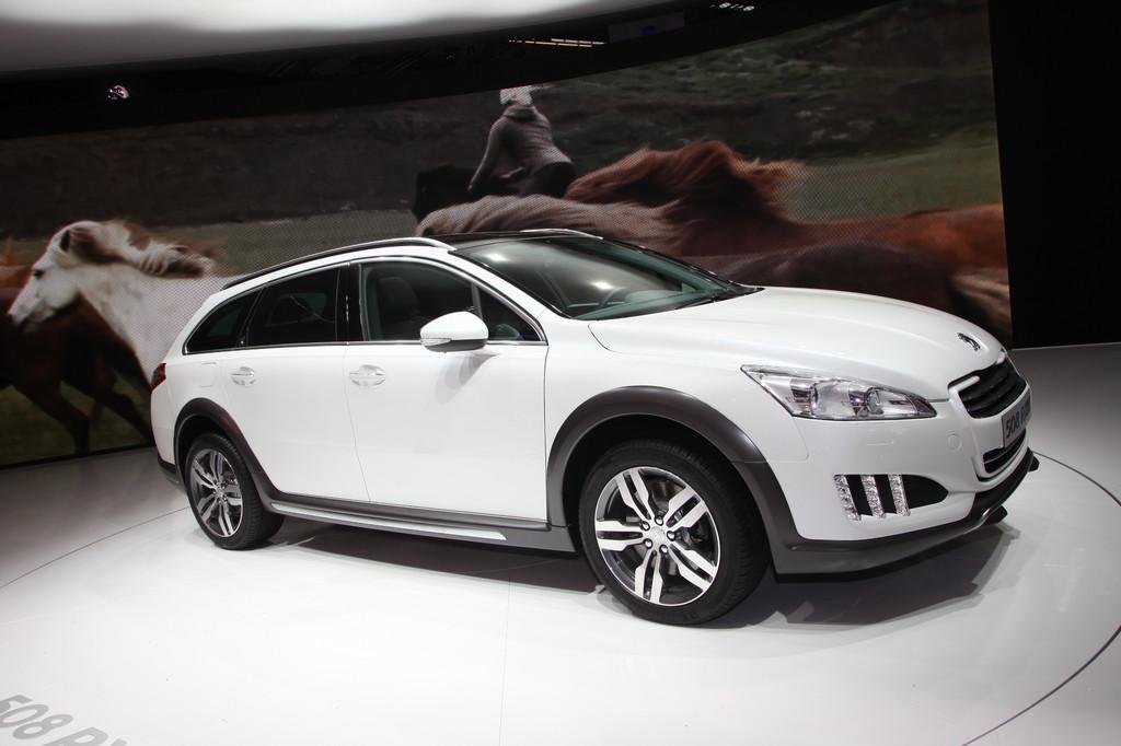 IAA 2011: Peugeot 508 RXH zweiter Vollhybrid-Diesel