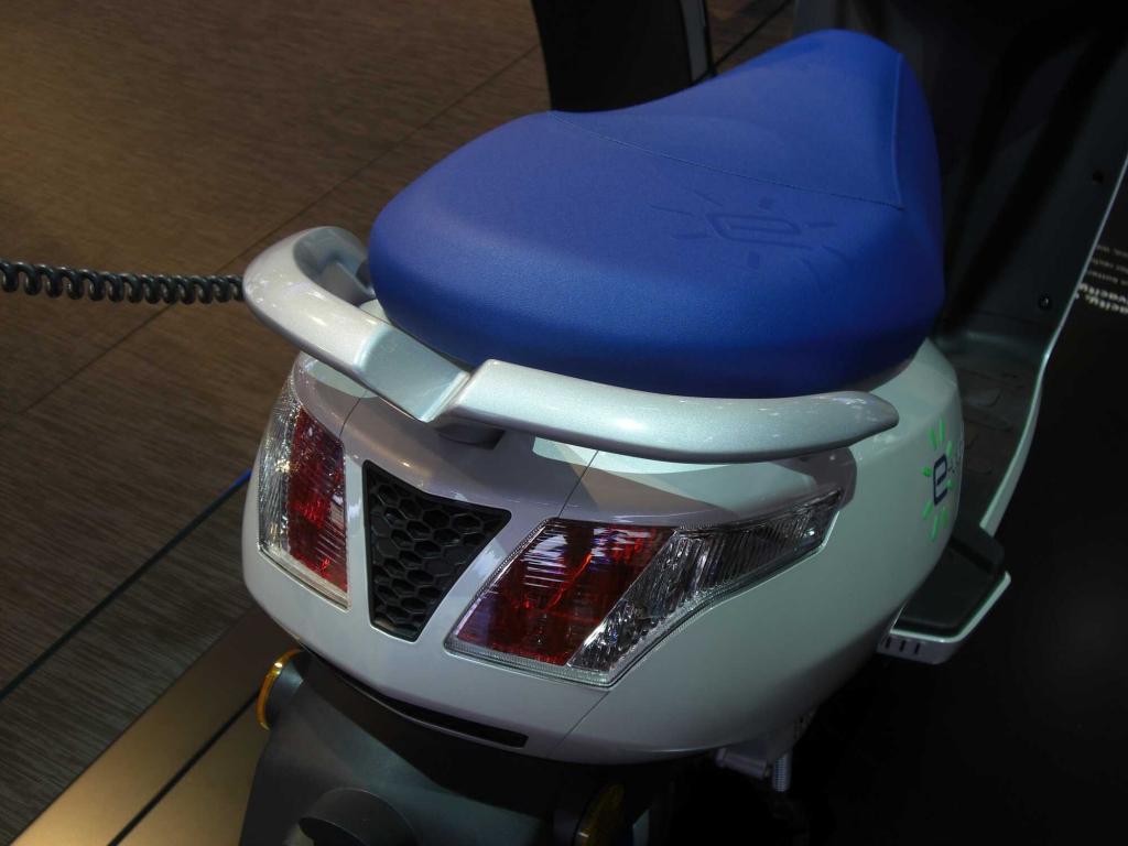 IAA 2011: Peugeot e-Vivacity – Tanken an der Steckdose