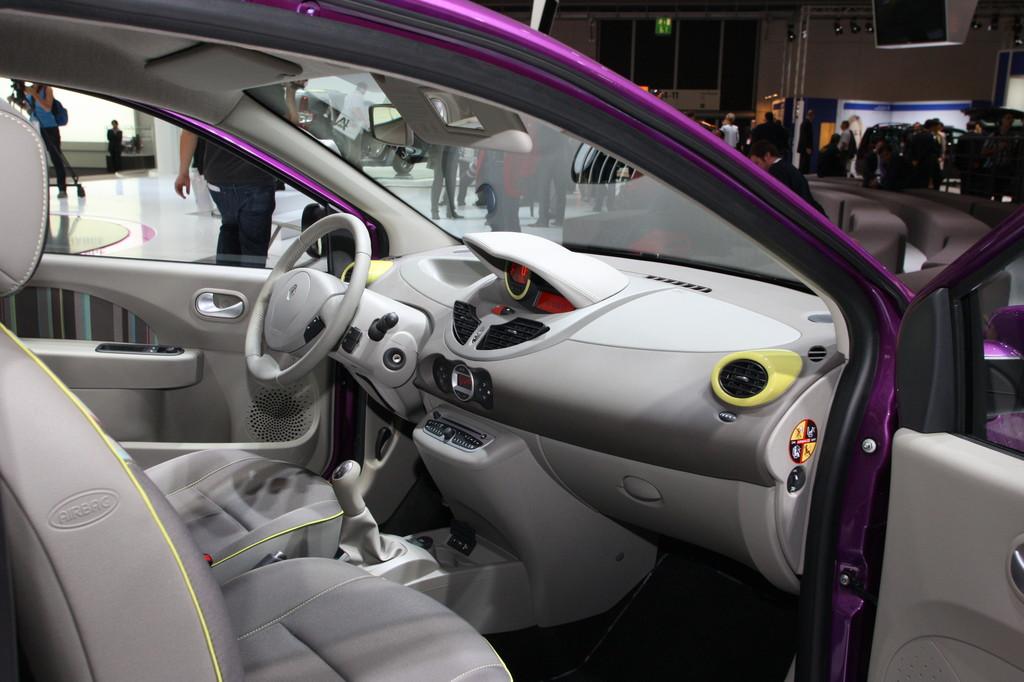 IAA 2011: Renault Twingo mit neuem Markengesicht