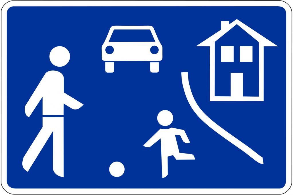 In verkehrsberuhigten Bereichen sind Fußgänger per Gesetz besonderes geschützt. Nimmt der Autoverkehr überhand, dürfen die Anwohner zusätzliche Maßnahmen fordern.