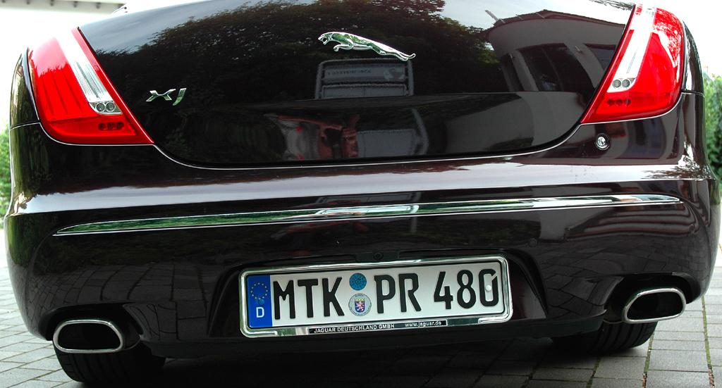 Jaguar XJ: Das Heck ist ziemlich wuchtig geraten.