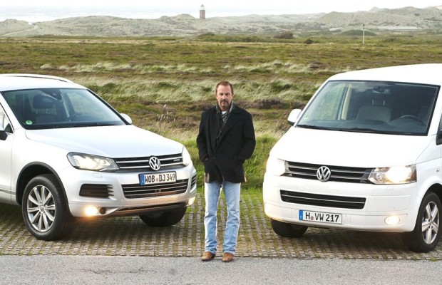 Kevin Costner mit Volkswagen unterwegs