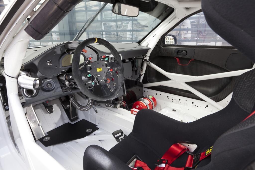 Kompromissloser Innenraum beim Rennwagen
