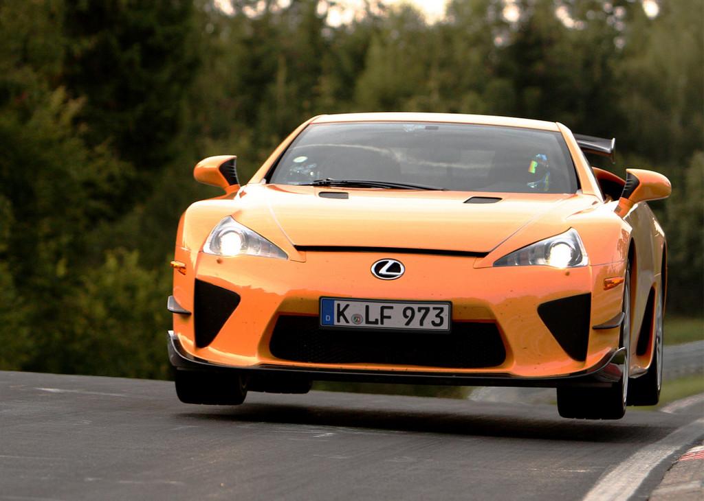 Lexus LFA umrundet die Nordschleife in 7:14,64 Minuten