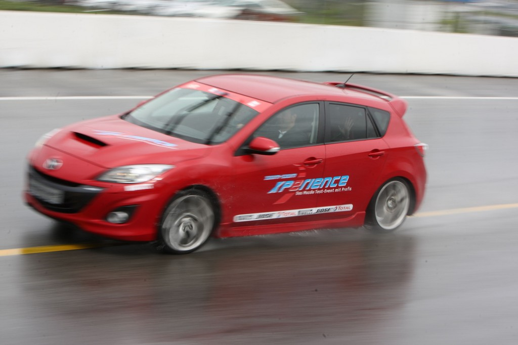 Mazda-Zoom-Zoom-Xperience.