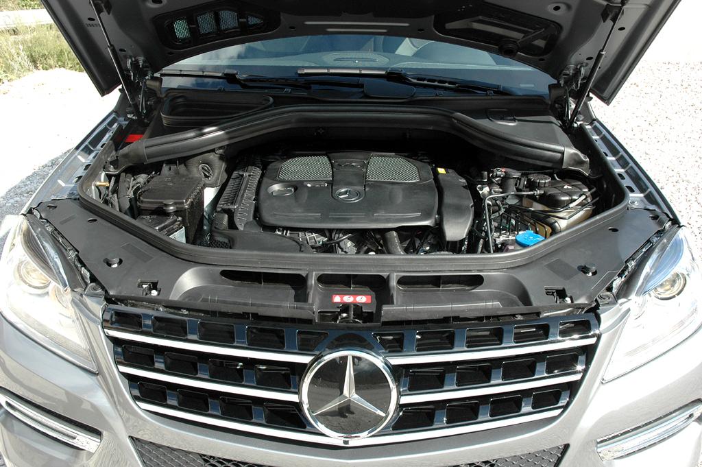 Mercedes M-Klasse: Blick unter die Haube. Drei Motorisierungen sind vorerst möglich.