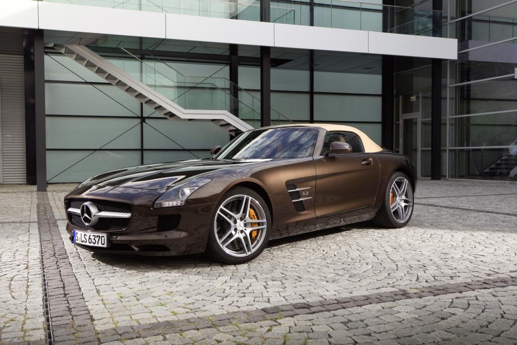 Neue Wunschausstattungen für den Mercedes-Benz SLS AMG