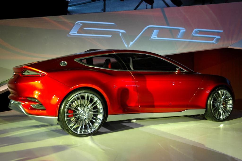 Noch einmal die Seitenansicht der neuen Ford-Evos-Studie.