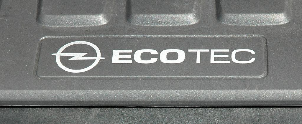 Opel Insignia: ... mit 140 PS, der nunmehr den gleichstarken 1,8-Liter-Sauger ersetzt.